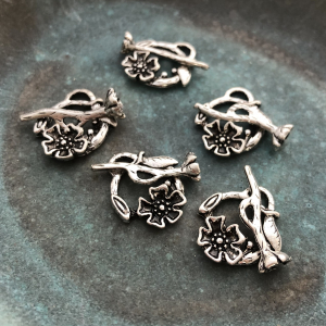 Antiqued Silver Flower Toggle Clasp 20x17mm