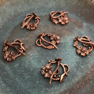 Antiqued Copper Flower Toggle Clasp 20x17mm